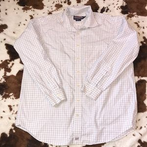 Vineyard vines shirt   XL